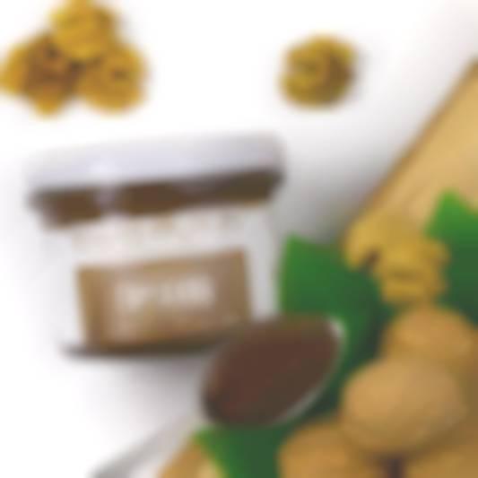 shokoladno-gorikhova-pasta